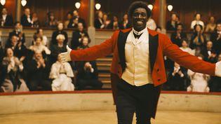 "Omar Sy dans ""Chocolat""  (2015 Mandarin Cinéma - Gaumont / Julian Torres)"