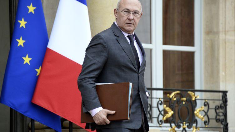 Le ministre de l'Emploi, Michel Sapin, à l'Elysée à Paris le 15 janvier 2014. (BERTRAND GUAY / AFP)