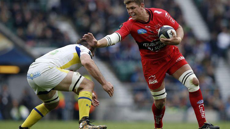 Le Toulonnais Juan Smith face au Clermontois Jamie Cudmore, au stade deTwickenham à Londres pour la finale de la coupe d'Europe de Rugby, le 2 mai 2015. (ADRIAN DENNIS / AFP)