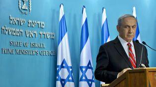 Le Premier ministre israélien, Benyamin Nétanyahou, lors d'une conférence de presse à Jérusalem, le 6 août 2014. (JIM HOLLANDER / REUTERS)