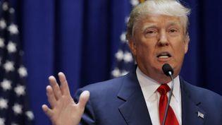 Le milliardaire Donald Trump annonce sa candidature à l'élection présidentielle américaine de 2016, le 16 juin 2015, à New York (Etats-Unis). (BRENDAN MCDERMID / REUTERS)