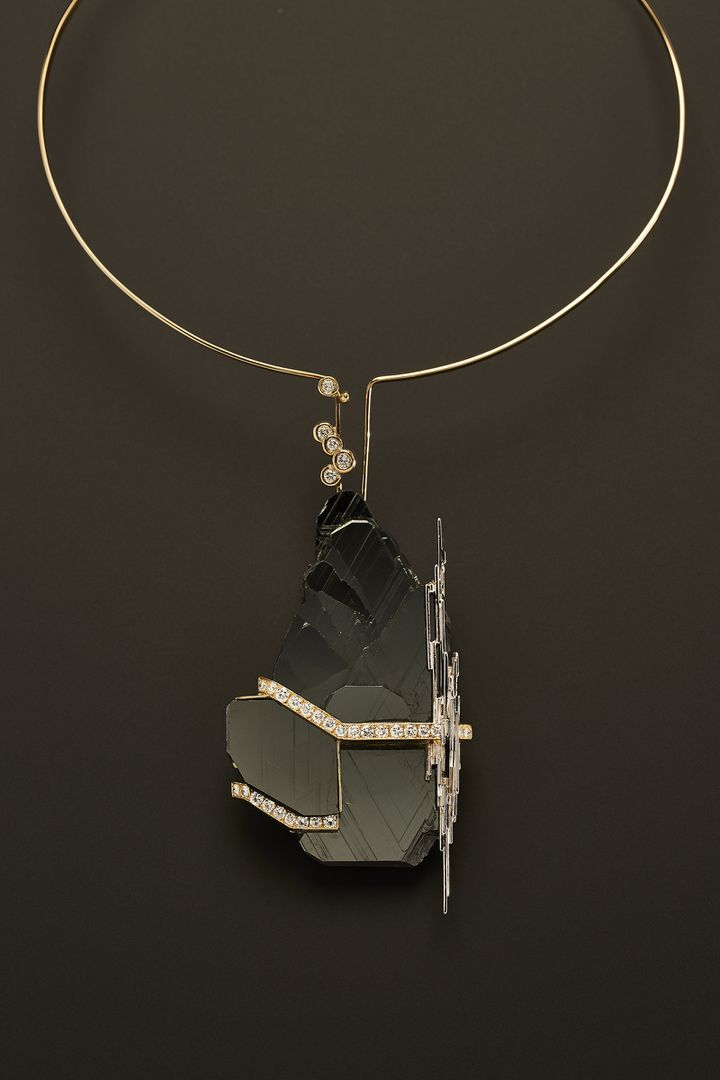 "Exposition ""Jean Vendome. Artiste Joaillier"" à l'Ecole des Arts Joailliers : broche-pendentif, 1995 (Benjamin Chelly)"