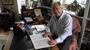 Jean-Claude Casadesus début novembre 2015 dans l'appartement familial à deux pas du Sacré Coeur à Paris.  (Lorenzo Ciavarini Azzi/Culturebox)