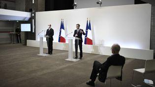 Jean Castex, Premier ministre, et Olivier Véran, ministre de la Santé, le 25 février 2021. (STEPHANE DE SAKUTIN / AFP)