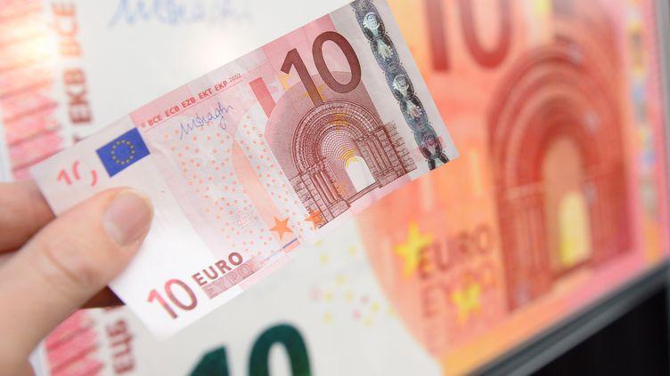 La Banque centrale européenne a dévoilé le nouveau billet de 10 euros, le 13 janvier 2014 à Francfort (Allemagne). (ARNE DEDERT / DPA / AFP)