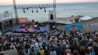 Le festival Jazz à Sète en 2016... Un concert de la saxophoniste Géraldine Laurent au Théâtre de la Mer (13 juillet 2016) (VINCENT ANDORRA / MAXPPP)