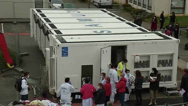 Hôpital mobile à Toulouse (FRANCE 2)