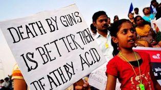 Rassemblement de femmes à Madras, en Inde, le 3 mars 2013. Les manifestants protestent contre les attaques à l'acide envers les femmes et demandent des aides médicale et juridique pour ces dernières. (The Times of India/ S L Shanth Kumar)