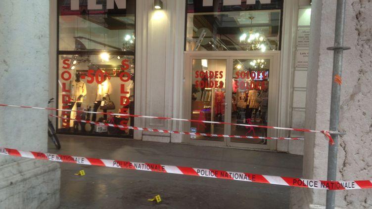 L'endroit où s'est déroulé l'agression de trois militaires à Nice (Alpes-Maritimes), le 3 février 2015. (FRANCE 2 NICE)