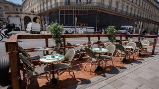 La terrasse d'un restaurant le 7 mai 2021, à Paris. (BERTRAND GUAY / AFP)
