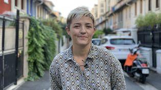 Marie Labory, lesbienne, mère de deux enfants nés par PMA en Espagne, à Paris, le 10 octobre 2018. (ROBIN PRUDENT / FRANCEINFO)