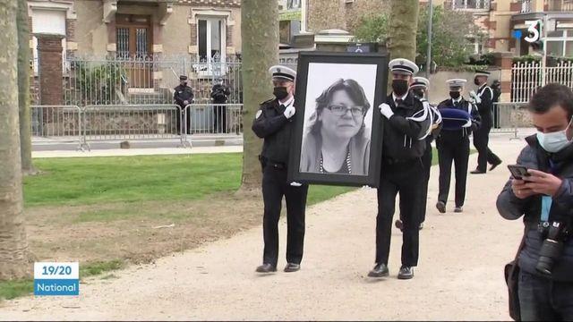 Attaque à Rambouillet : une cérémonie d'hommage pour la fonctionnaire de police Stéphanie Monfermé