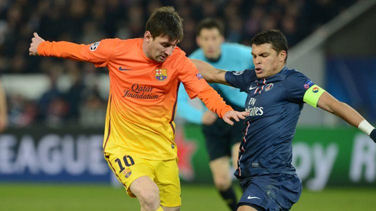 Thiago Silva au duel avec Leo Messi