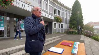 Hausse des prix de l'énergie : Un maire interdit les coupures d'électricité dans sa commune. (FRANCE 3)