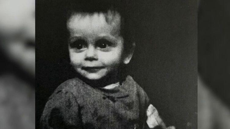 En 2013, le petit Gabin, 22 mois, est décédé. Ses parents ont été condamnés, mais c'est désormais le médecin de famille qui suivait l'enfant qui va être jugé pour non-assistance à personne en danger jeudi 4 juin, à Guéret, dans la Creuse. (FRANCE 2)