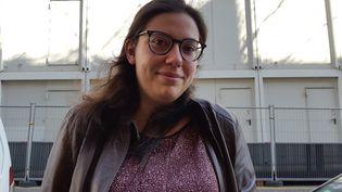 Mylène, 23 ans, étudiante francilienne, fait partie des 3 000 patients qui vonttester le cannabis thérapeutique en France. L'expérimentation a démarré le 1er avril 2021. (SOLENNE LE HEN / RADIO FRANCE)