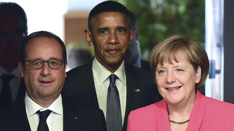 François Hollande, Barack Obama et Angela Merkel, lors du G7 du 8 juin 2015 à Kruen (Allemagne). (  REUTERS)