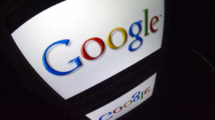 L'action de Google a bondi le 18 octobre 2013, après que le groupe a publié de meilleurs résultats qu'attendus, la veille. (LIONEL BONAVENTURE / AFP)