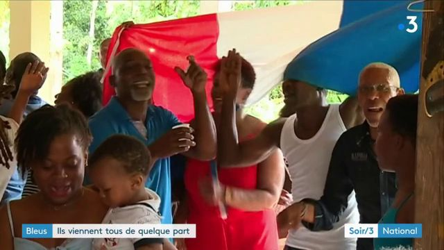 Coupe du monde : les Bleus attendus par leur famille et copains d'enfance