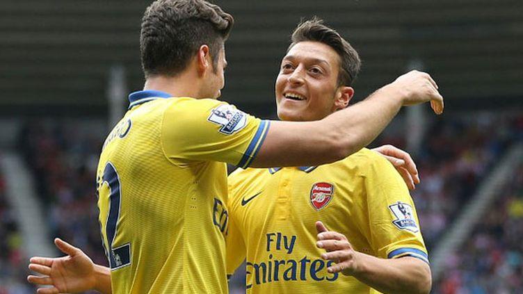 Les joueurs d'Arsenal Olivier Giroud et Mezut Ozil