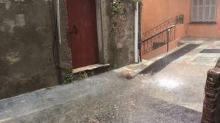 La pluie dans une rue de Bastia, lundi 15 juillet 2019. (FRANCE 3 CORSE VIASTELLA)