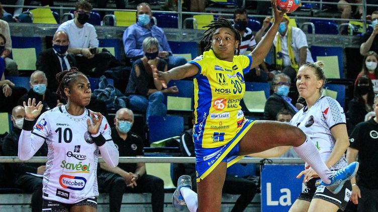 Les Messines prennent un sérieux avantage avant la finale retour de Ligue Butagaz Energie à Brest. (MAURY GOLINI / MAXPPP)
