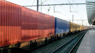 Le retour du ferroviaire pour le transport des marchandises, mais aussi, la robotisation et la coordination intermodale. (Illustration) (JOPSTOCK / MOMENT RF / GETTY IMAGES)
