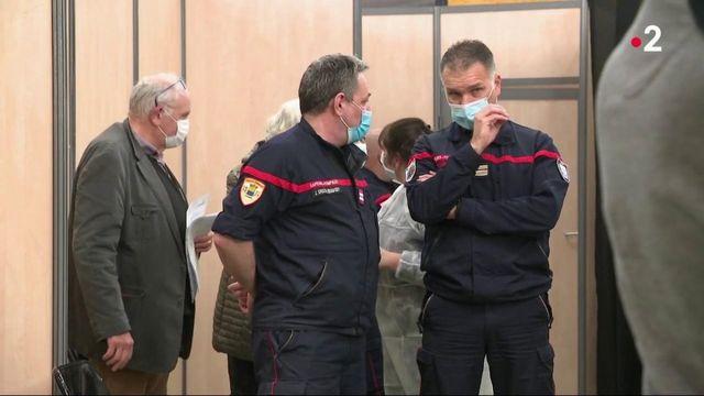 Vaccination contre le Covid-19 : les sapeurs-pompiers prêtent main forte