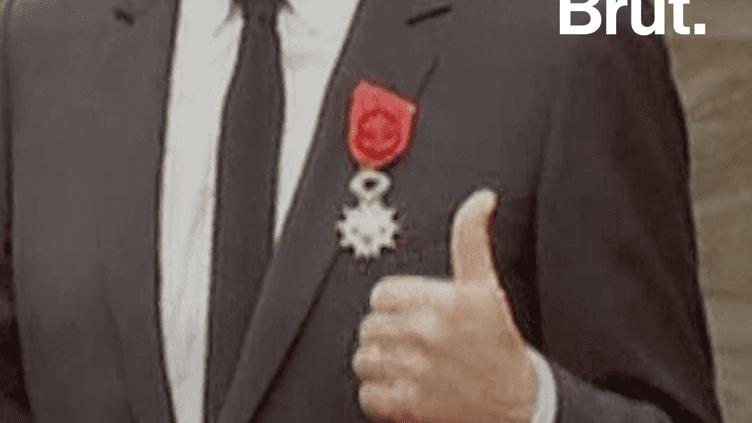 Emmanuel Macron veut durcir les conditions d'obtention de la Légion d'honneur (Brut.)