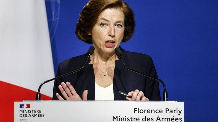 La ministre des Armées, Florence Parly, lors d'une conférence de presse à Paris, le 16 septembre 2021. (LUDOVIC MARIN / AFP)