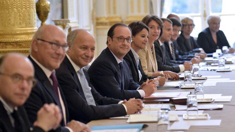 François Hollande lors du premier Conseil des ministres du gouvernement Valls 2, mercredi 27 août 2014, au palais de l'Elysée, à Paris. (FRED DUFOUR / AFP)