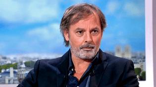 """Christophe Alévêque invité sur le plateau de France 2 pour son dernier spectacle """"Ca Ira mieux demain""""  (France 2 / Culturebox)"""