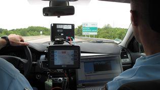 Le modèle de radars photographiant les voitures qui doublent et roulent en sens inverse a déjà été testé le 9 juillet 2010 dans l'Oise. (MAXPPP)