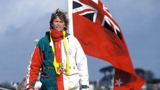 Peter Blake à Brest, après sa victoire dans le Trophée Jules Verne, le 1er avril 1994 (MAXPPP)