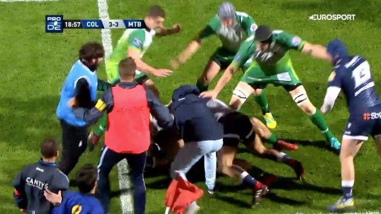 Une bagarre générale a éclaté vendredi 15 mars entre Colomiers et Montauban lors d'un match de Pro D2 de rugby au stadeBendichou. (CAPTURE ECRAN EUROSPORT)