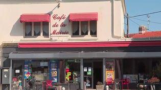 C'est une ville d'apparence tranquille où il est désormais déconseillé de porter des bijoux dans la rue : Rezé, près de Nantes (Loire-Atlantique). Explications. (FRANCE 2)