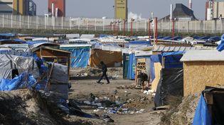 """Dans la """"jungle"""" de Calais (Pas-de-Calais), le 16 mars 2016. (PASCAL ROSSIGNOL / REUTERS)"""