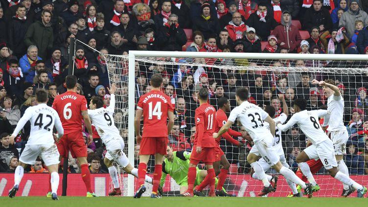 Lors de Liverpool-Swansea, le 21 janvier 2017, à Anfield. (ANTHONY DEVLIN / AFP)