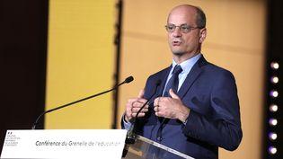 Le ministre Jean-Michel Blanquer s'exprime lors du Grenelle de l'Education, le 26 mai 2021 à Paris. (GEOFFROY VAN DER HASSELT / AFP)