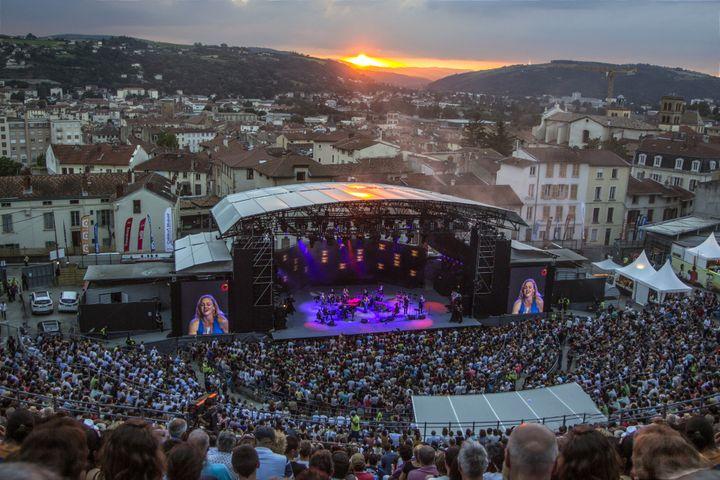 Crépuscule sur le concert de Pink Martini à Vienne le 30 juin 2016  (Jean-François Lixon)