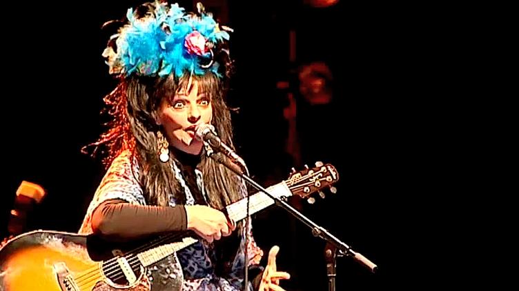 A 60 ans,Nina Hagenla chanteuse allemande au passé punk attire encore la foule  (France 3 / Culturebox)