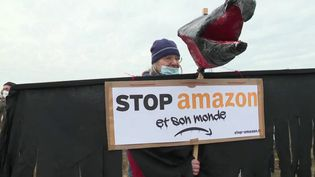 Gard : une mobilisation contre l'installation d'un centre de tri Amazon (FRANCE 2)