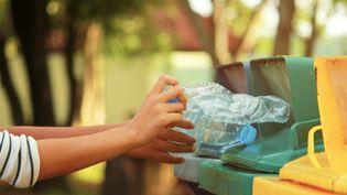 A l'occasion de la Journée mondiale de la Terre, franceinfo a tenté d'enlever d'un appartement toutes traces de plastique. (SEAMIND PANADDA / EYEEM / GETTY IMAGES)