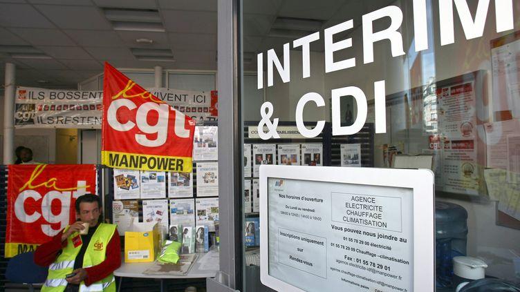 Dans une agence d'intérim Manpower, le 19 septembre 2008, à Paris. (JOEL SAGET / AFP)