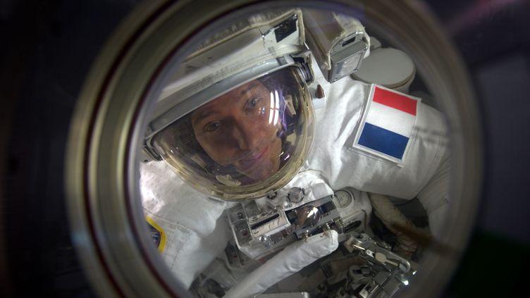 L'astronaute Thomas Pesquet à l'extérieur de la Station spatiale internationale, le 13 janvier 2017. (PICASA / AFP)