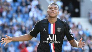 L'attaquant parisien Kylian Mbappé lors d'un match contre Le Havre, le 12 juillet 2020. (ANNE-CHRISTINE POUJOULAT / AFP)