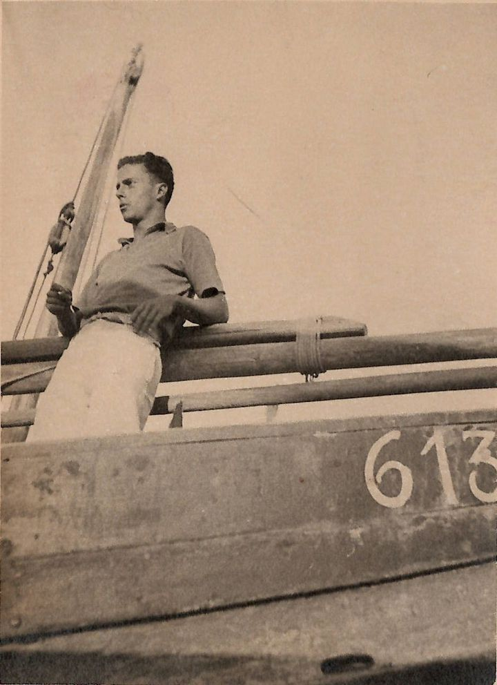 Anonyme, Claude Simon à Collioure, vers 1934-35, photographie argentique noir et blanc (Collection particulière / Droits réservés)