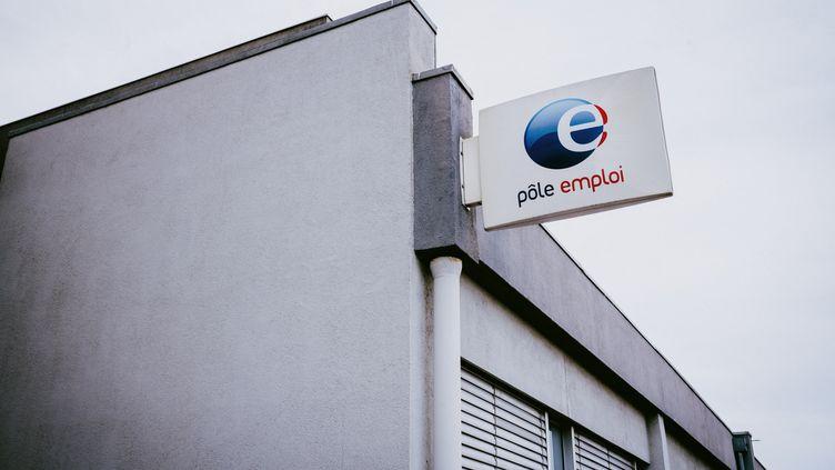 Un bâtiment de Pôle emploi à Toulouse (Haute-Garonne), le 9 mai 2021. (MAXIME LEONARD / HANS LUCAS / AFP)