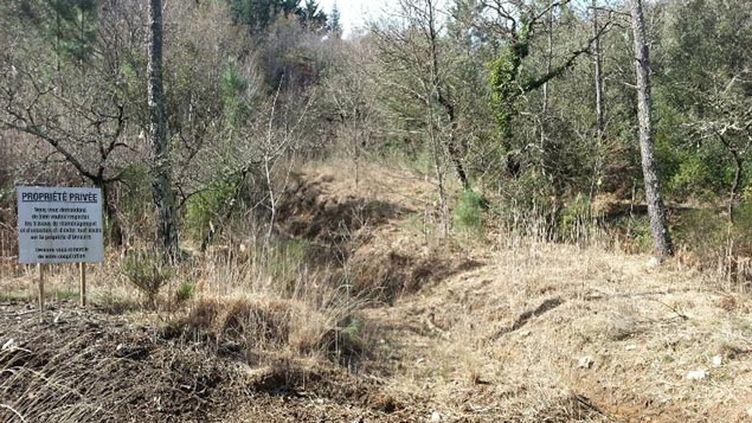 (Le paradis empoisonné des riverains des anciennes mines de la commune de Saint-Félix-de-Pallières  © RF/ Anne-Laure Barral)