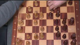Loisirs : les confinements dopent la cote des échecs (France 3)